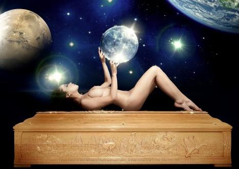 Nude sulla casse da morto… | Nicola Costanzo... my Blogs